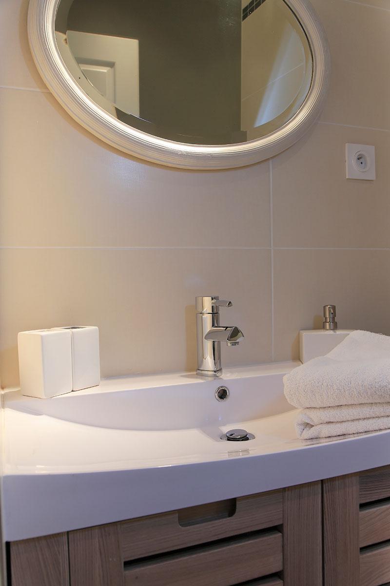 Chambre d 39 h te c t cour saint genis des fontaines - Chambre d hote cailloux sur fontaines ...